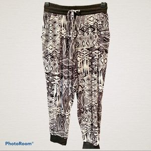 1X Eye Candy black and white Aztec print joggers